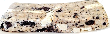 Questbar Cookies & Cream unwrap tasty